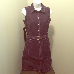 Navy Isaac Mizrahi belted dress. Cute seams